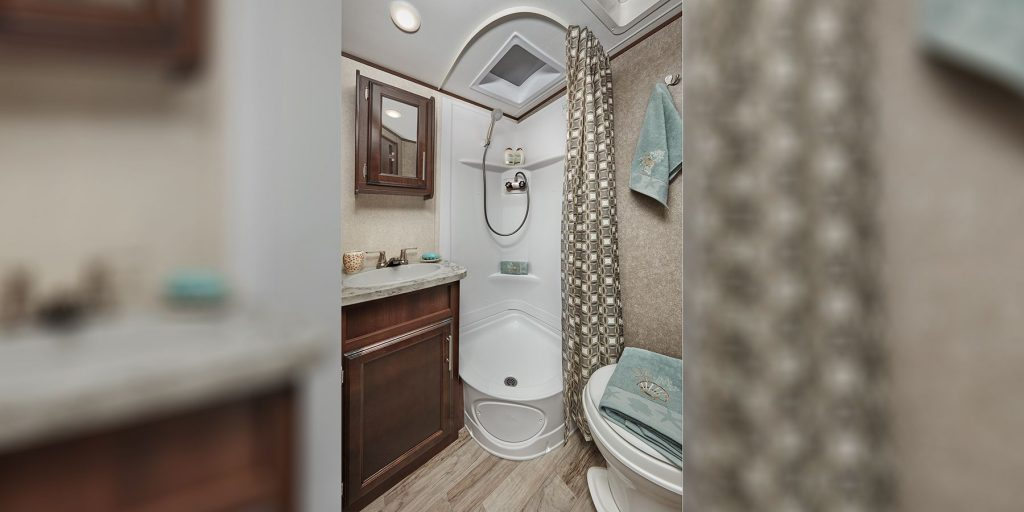 2019 Jayco Jay Feather Bathroom